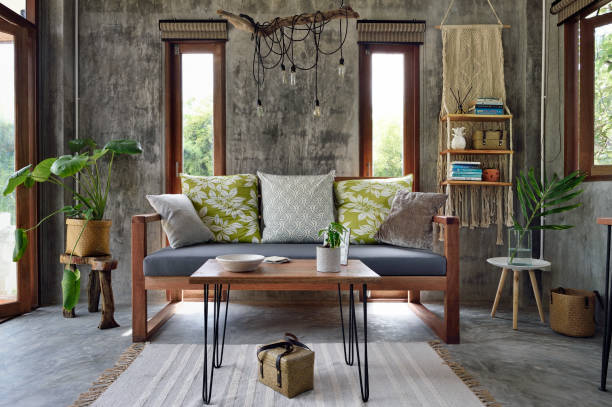 Table basse salon devant canapé